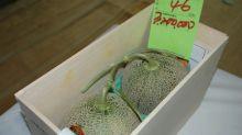 Dos melones vendidos por un récord de más de 25.000 euros en Japón