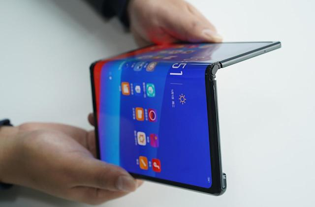 Oppo's prototype foldable phone looks a lot like the Huawei Mate X