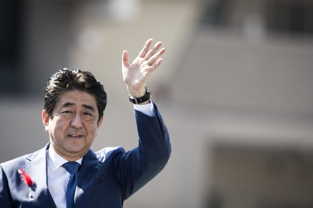Abe on course for landslide win in Japan vote: poll