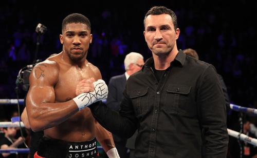 Vale os cinturões dos pesos-pesados da IBF, IBO e WBA! Anthony Joshua é favorito contra veterano Wladimir Klitschko