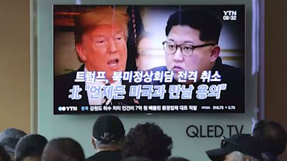 North Korea leaves door open for Trump summit