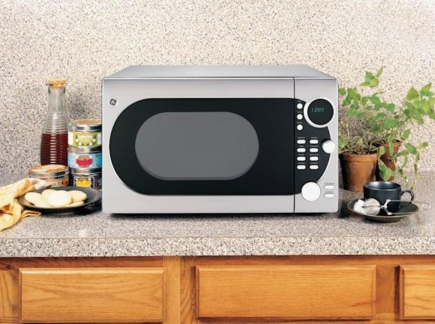 Microwaves of the future count calories so you don't have to