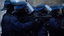 """""""Ils lui ont tiré en pleine tête"""": la colère de la femme d'Olivier, victime de LBD"""