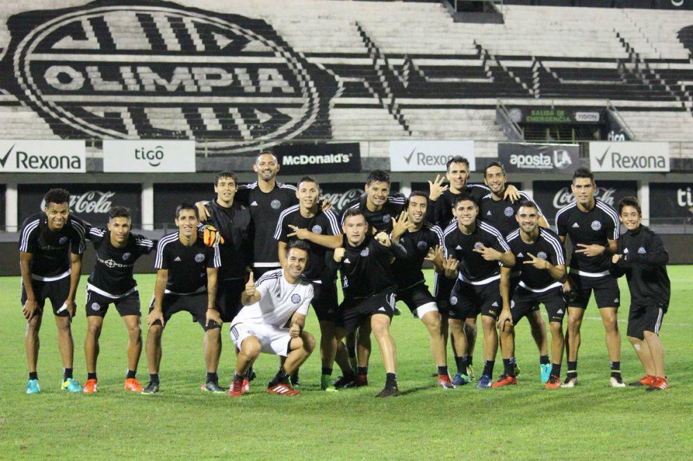 Almeida confirmó el equipo para medir a Cerro Porteño