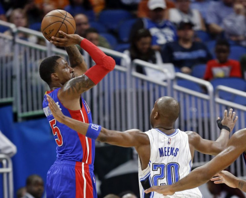 Jodie Meeks advises Kentavious Caldwell-Pope about big paydays in Detroit. (AP)