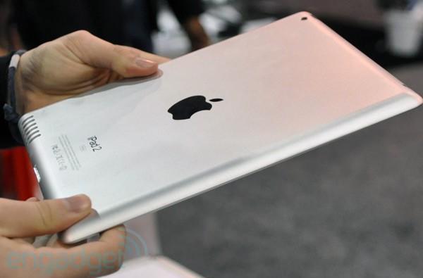 iPad 2 mockup teases 128GB storage, exhibits speaker grille we've seen before