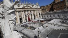 Homeless Woman Gives Birth Outside Vatican, Gets Offer of Home