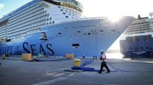 Florida's U.S. senators want cruising to resume without government intervention