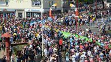 """""""On ne peut plus jouer comme cela avec l'argent public"""" : en Bretagne, à Grenoble ou en Occitanie, les écologistes veulent un Tour de France moins """"sport business"""""""