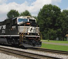 Here's What We Think About Norfolk Southern's (NYSE:NSC) CEO Pay