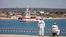 Italia bloquea a cinco barcos de rescate de migrantes en el Mediterráneo