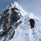 55-Year-Old American Dies of Exhaustion While Climbing Mount Everest
