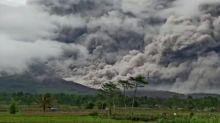 Mount Semeru: Erupting volcano spews ash above Indonesia's Java island