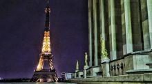 """La tour Eiffel face à la crise : """"Cette belle tour ne peut pas fermer"""""""