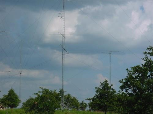 FCC looking to free up spectrum, and the airwaves that support it, with broadband and wireless for all