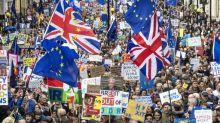 Brexit, Sunday Times: governo Gb in rivolta contro premier May