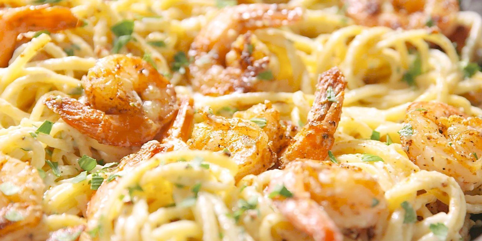This cajun shrimp pasta is insanely bangin 39 for Prawn and spaghetti recipe