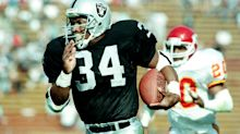 Bo Jackson believes he would average '350-400 yards a game' if he played today