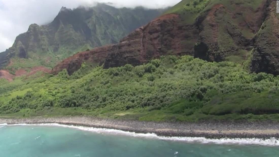 Hawaii tour helicopter with 7 aboard is missing, search underway