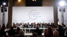 """Climat : les 150 citoyens de la Convention """"interpellent"""" Emmanuel Macron afin qu'il """"renouvelle"""" son soutien et son """"envie ferme de faire aboutir"""" leurs propositions"""