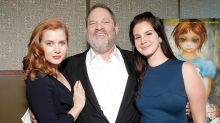 Sale a la luz un video de Harvey Weinstein propasándose con una mujer que violó horas más tarde