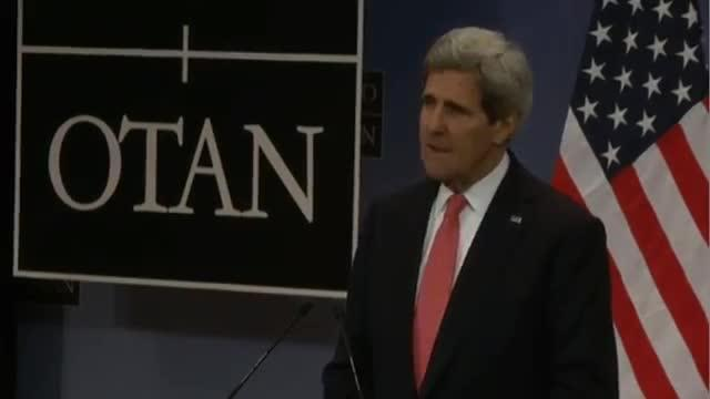 Listen to protesters, Kerry urges Ukraine government