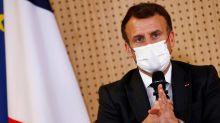 Covid-19 : ce qu'a dit Emmanuel Macron aux maires sur la réouverture du pays