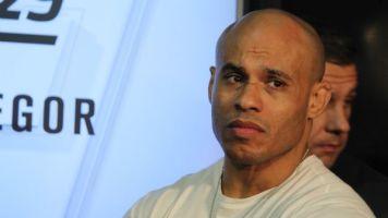 Acusado de agressão, empresário de astros do UFC é proibido de entrar em shows da PFL