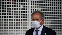 'Talvez por infelicidade', Bolsonaro não deixou claro o problema da saúde e da vacinação, diz Guedes