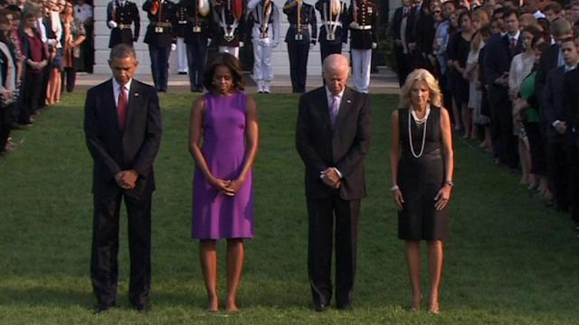 Obama observes moment of silence on 9/11 anniversary