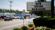 Creación de empleo en EEUU se desacelera; salario mensual sube menos de lo esperado