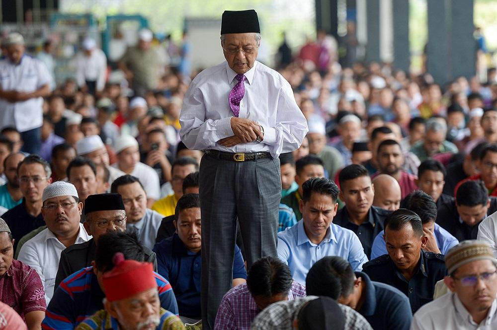 Dr M: Students learning only rituals, not values in Islamic studies
