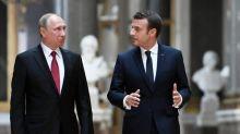 """Macron demande à Poutine un """"renforcement"""" de la coopération antiterroriste"""