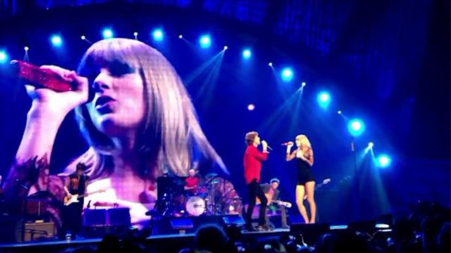 Taylor Swift joins Rolling Stones on stage at United Center