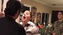 Sorprende a su madre en Navidad con el mejor regalo que hemos visto en estas fiestas