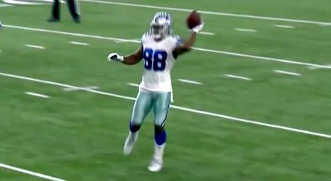 Dez Bryant Completely Fooled The Lions By Throwing A