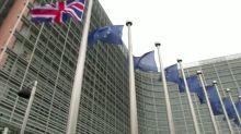 Britain: BOE, OECD warn on hard Brexit