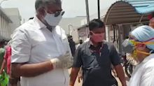 Union Minister Threatens To Slap A Man Who Pleaded For Oxygen For His Ailing Mother