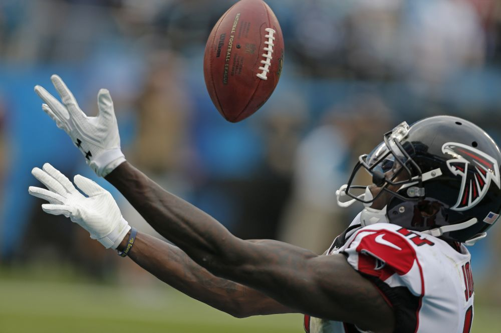 Julio Jones and the Falcons will try to rebound from a tough loss last week. (AP)