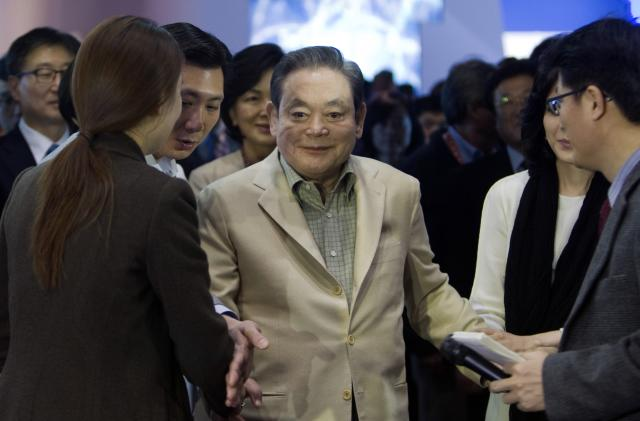 Samsung's influential chairman Lee Kun-hee dies at 78