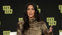 Kim Kardashian appears to have three hands in Photoshop fail
