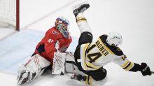Raffl's late goal pushes Capitals past Bruins, 2-1