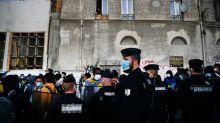 Polícia evacua enorme acampamento de migrantes na entrada de Paris