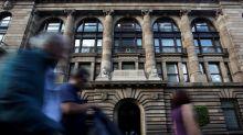 Banxico baja por sorpresa su tasa de interés 25 puntos base hasta el 8.00%