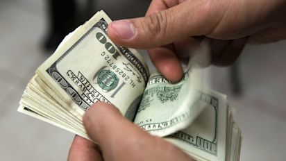 World's wealthiest families are stockpiling cash