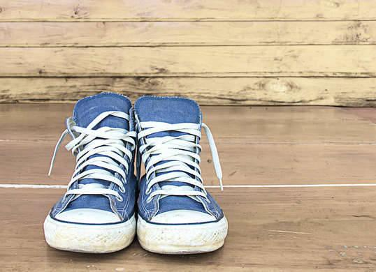 """<p>Smelly gym shoes and stinky <a href=""""http://www.bobvila.com/slideshow/11-smart-ways-to-organize-your-winter-footwear-46737#.VZ1s--1Viko"""" rel=""""nofollow noopener"""" target=""""_blank"""" data-ylk=""""slk:boots"""" class=""""link rapid-noclick-resp"""">boots</a> can be a thing of the past with reusable DIY kitty litter inserts. Put about a cup of litter into a pair of old nylon knee-highs or the cut-off feet of old pantyhose, tie a knot in the top, and leave one in each shoe overnight to absorb moisture and remove offensive foot funk. <i>Photo: fotosearch.com</i></p><p><b>RELATED: <a href=""""http://www.bobvila.com/slideshow/clear-the-air-10-natural-ways-to-cure-household-odors-45759#.VZ1sye1Viko"""" rel=""""nofollow noopener"""" target=""""_blank"""" data-ylk=""""slk:Clear the Air—10 Natural Ways to Cure Household Odors"""" class=""""link rapid-noclick-resp"""">Clear the Air—10 Natural Ways to Cure Household Odors</a></b></p><p><b><br></b></p>"""