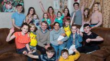 Madre británica pasó 15 años de su vida embarazada para tener 21 hijos