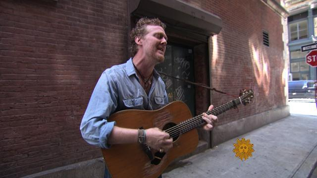 Glen Hansard busking in New York City