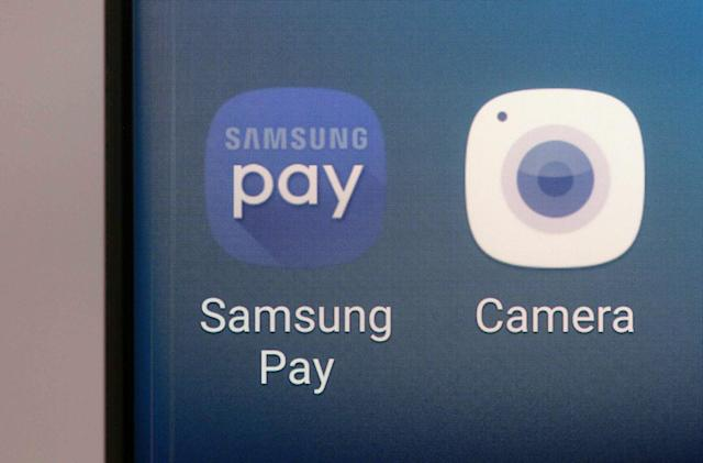 Samsung Pay now supports HSBC and M&S Bank cards in the UK