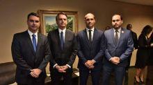 Família Bolsonaro movimentou pelo menos R$ 3 milhões em dinheiro vivo